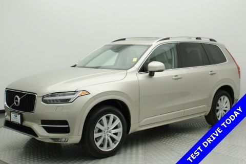 Pre-Owned 2016 Volvo XC90 T6 Momentum AWD