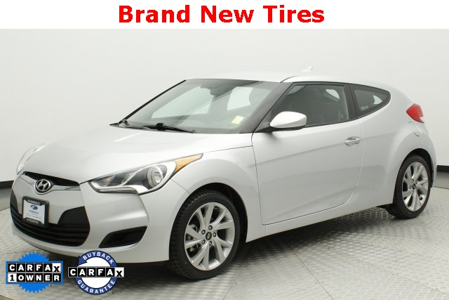 Hyundai Veloster Tires >> Pre Owned 2016 Hyundai Veloster Base Fwd 3d Hatchback